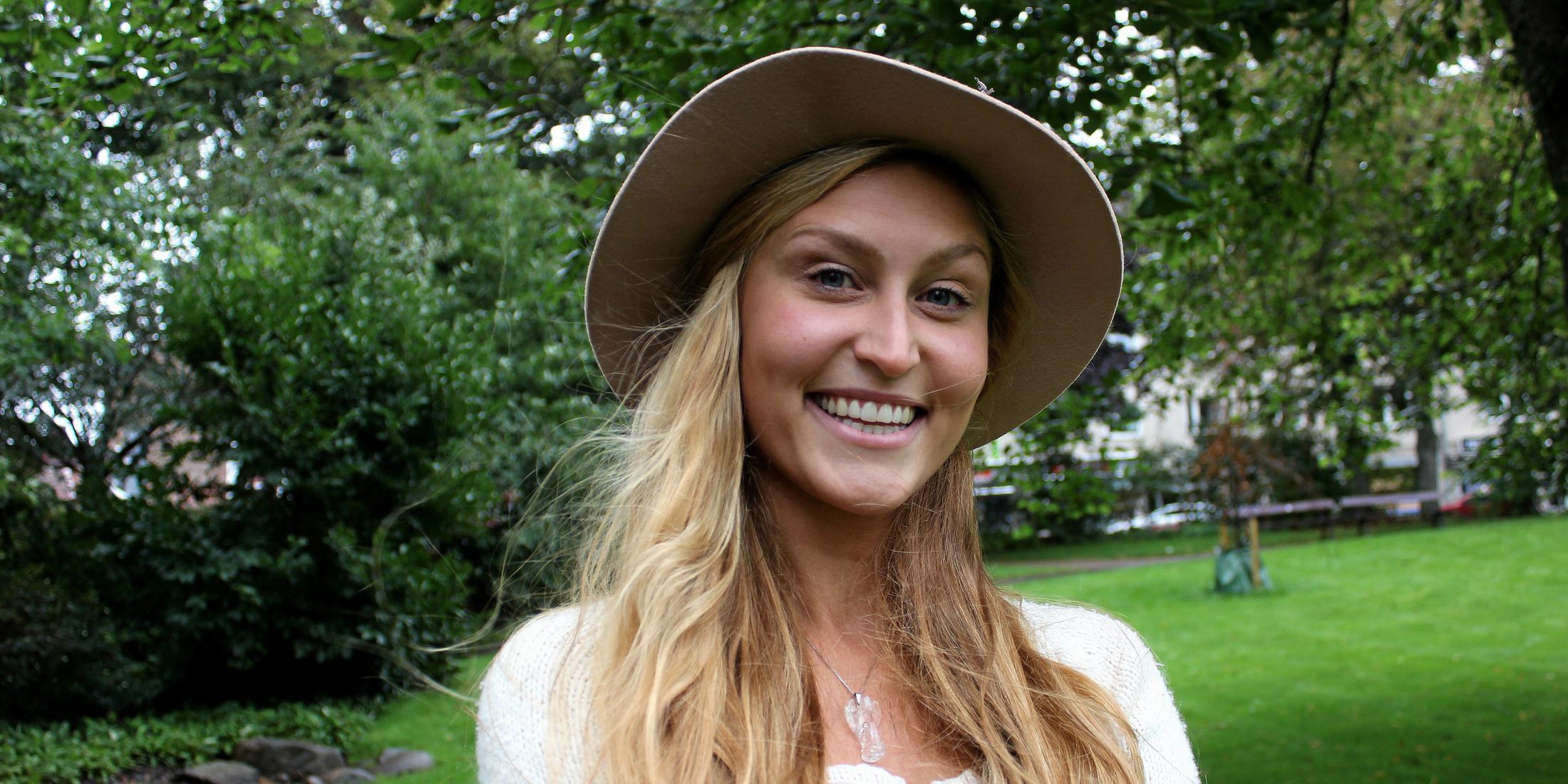 Anna-Vild-stortrivs-i-Varberg-d-auml-r-hon-har-b-ouml-rjat-samarbeta-med-flera-lokala-musiker-och