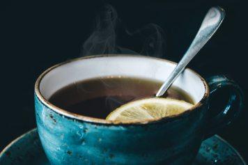 aromatic-black-background-ceramic-cup-734983